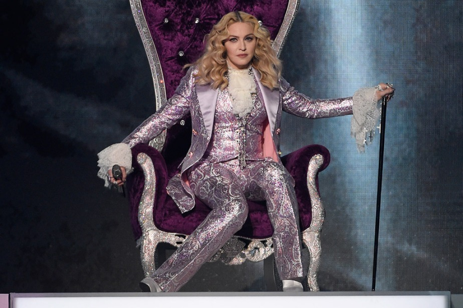 madonna-prince-tribute-billboard-awards